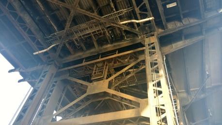 Steel bridge understructure